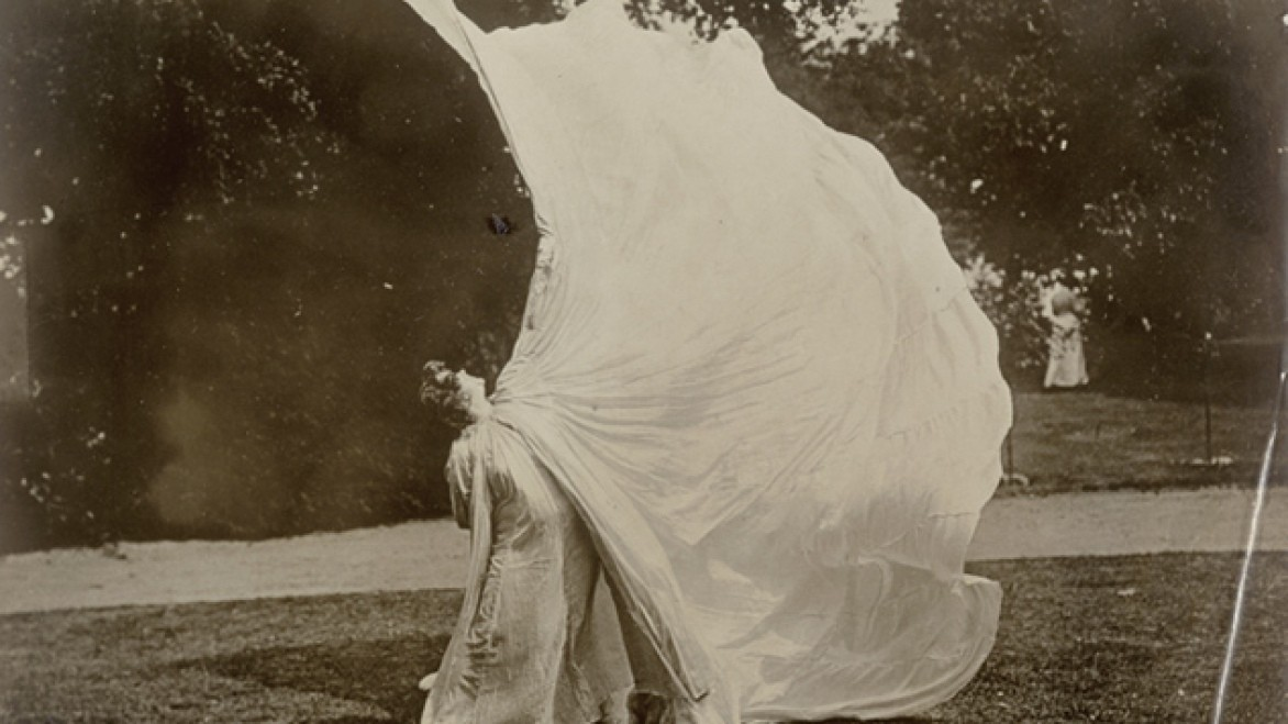 Body Stages: The Metamorphosis of Loïe Fuller