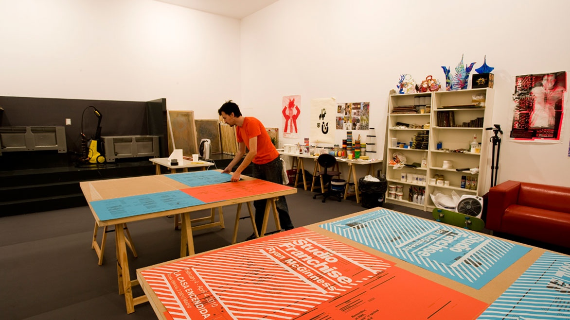 """Studio Franchise/Estudio franquicia"", de Ryan McGinness"