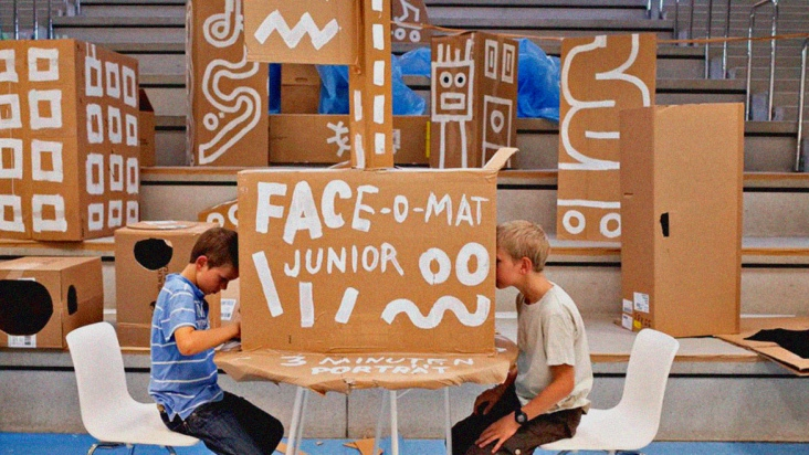 """Build Your Own Face-o-mat Junior Machine"" with Tobias Gutmann"